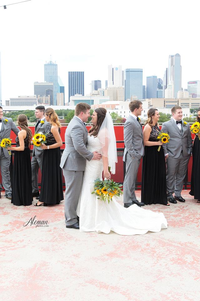 gilleys-dallas-wedding-downtown-skyline-st.-thomas-acquinas-church-aleman-photos027