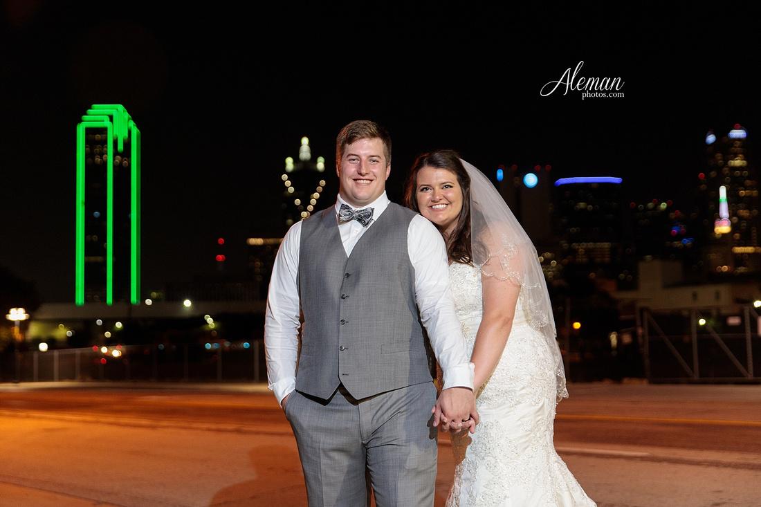 gilleys-dallas-wedding-downtown-skyline-st.-thomas-acquinas-church-aleman-photos056
