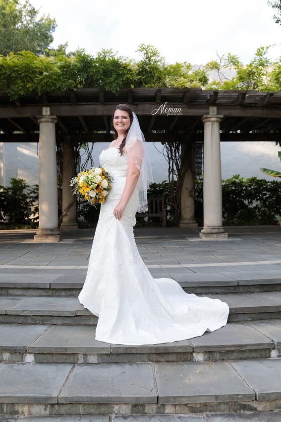dallas-arboretum-bridals-wedding-dress-portraits-outdoor-aleman-photos-beca008
