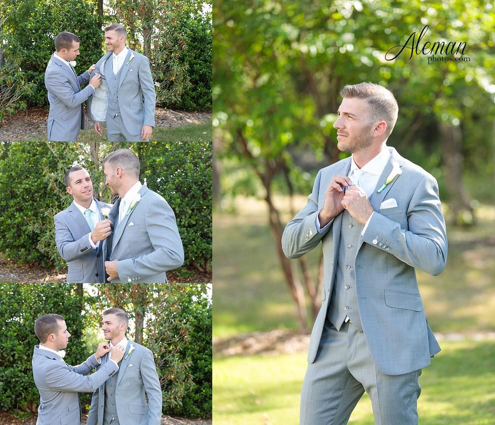 milestone-mansion-wedding-photographer-tiffany-blue-casino-tables-poker-travel-theme-aleman-photos 017