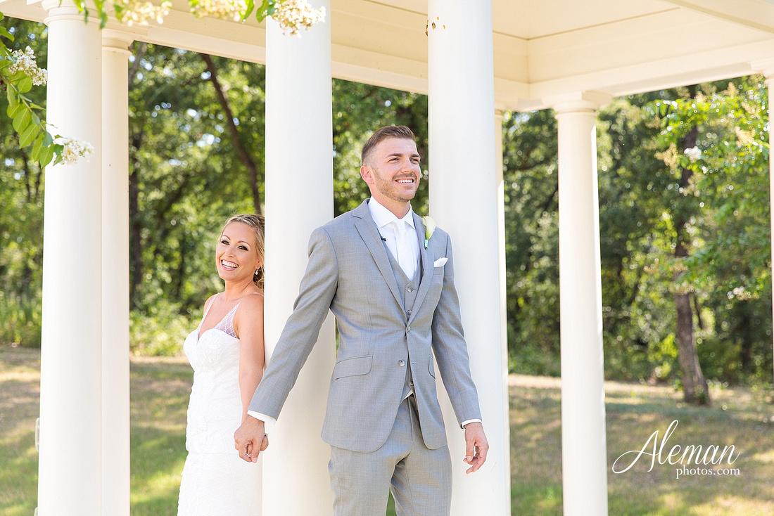 milestone-mansion-wedding-photographer-tiffany-blue-casino-tables-poker-travel-theme-aleman-photos 022