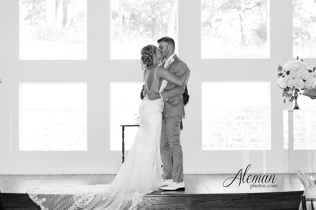 milestone-mansion-wedding-photographer-tiffany-blue-casino-tables-poker-travel-theme-aleman-photos 036