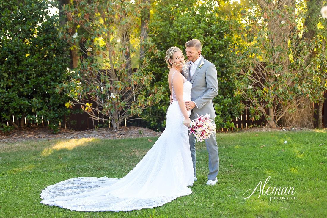 milestone-mansion-wedding-photographer-tiffany-blue-casino-tables-poker-travel-theme-aleman-photos 042