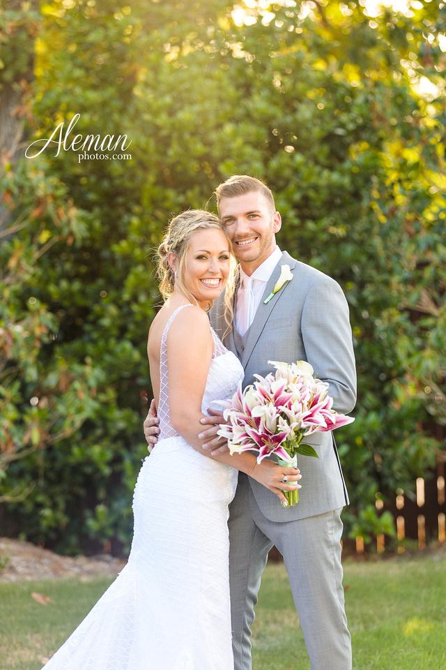 milestone-mansion-wedding-photographer-tiffany-blue-casino-tables-poker-travel-theme-aleman-photos 043
