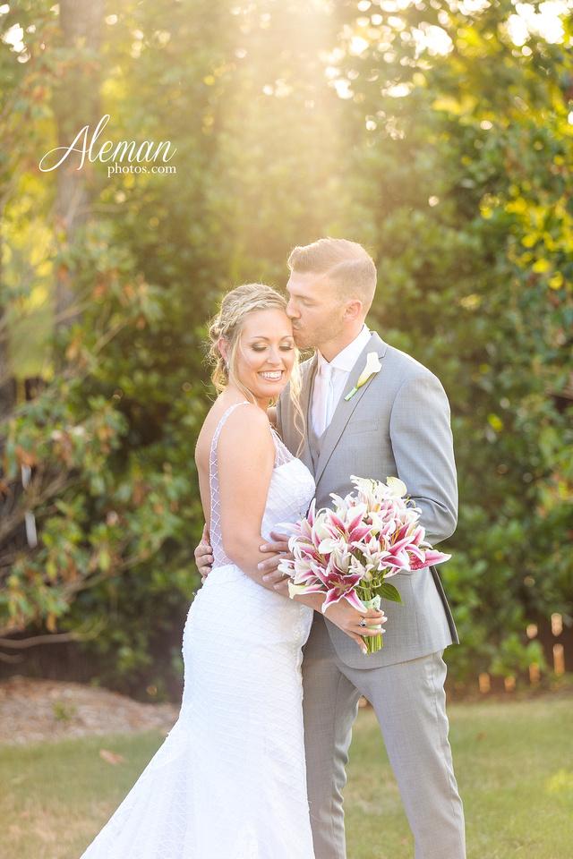 milestone-mansion-wedding-photographer-tiffany-blue-casino-tables-poker-travel-theme-aleman-photos 045