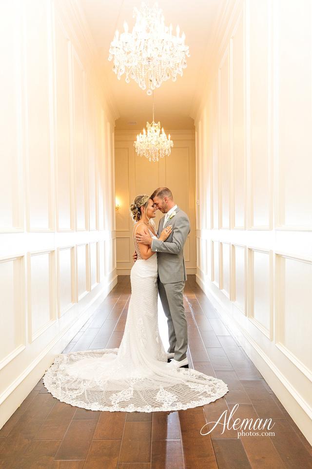 milestone-mansion-wedding-photographer-tiffany-blue-casino-tables-poker-travel-theme-aleman-photos 047