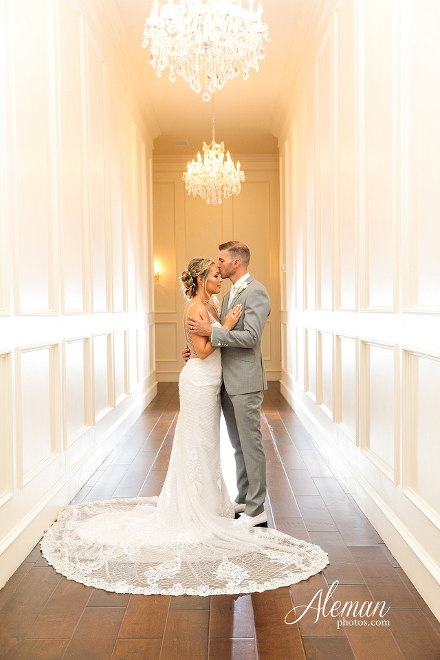 milestone-mansion-wedding-photographer-tiffany-blue-casino-tables-poker-travel-theme-aleman-photos 048