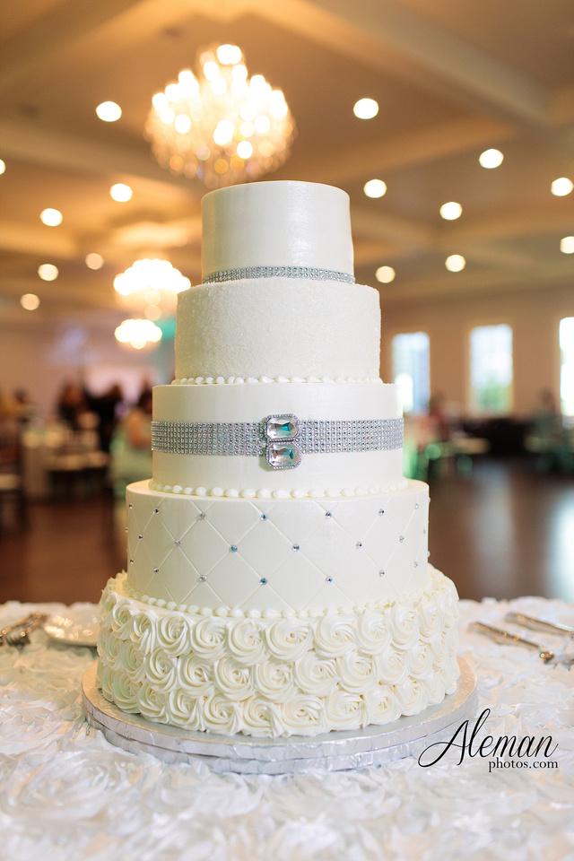 milestone-mansion-wedding-photographer-tiffany-blue-casino-tables-poker-travel-theme-aleman-photos 049