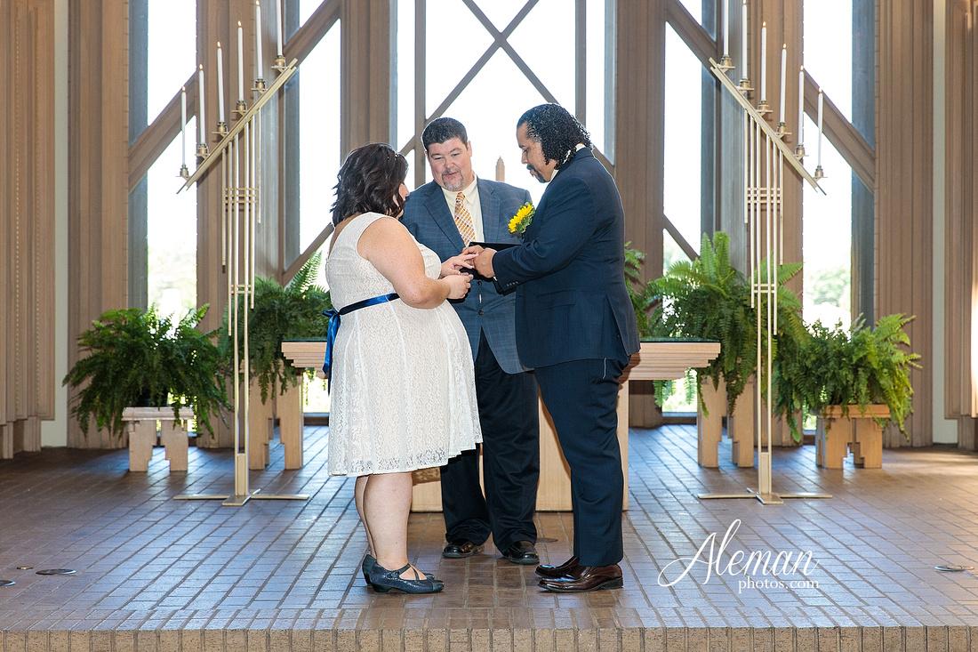 marty-leonard-chapel-wedding-elopement-fort-worth-dallas-photographer-aleman-photos-noe 006