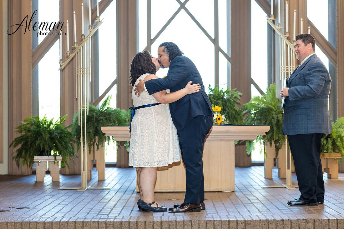 marty-leonard-chapel-wedding-elopement-fort-worth-dallas-photographer-aleman-photos-noe 008
