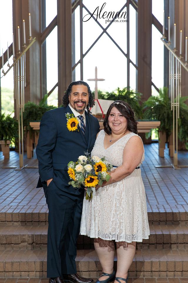 marty-leonard-chapel-wedding-elopement-fort-worth-dallas-photographer-aleman-photos-noe 010