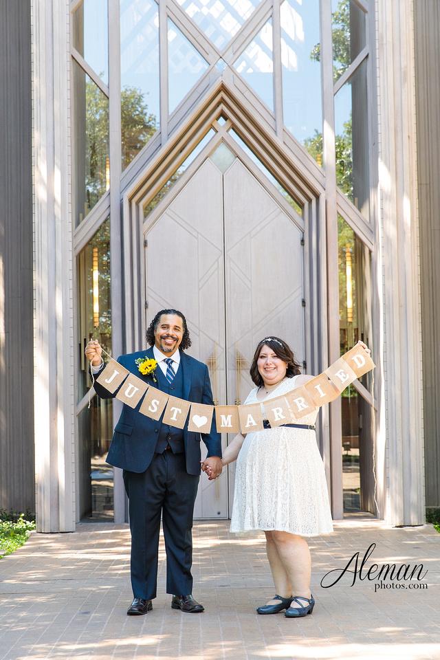 marty-leonard-chapel-wedding-elopement-fort-worth-dallas-photographer-aleman-photos-noe 018