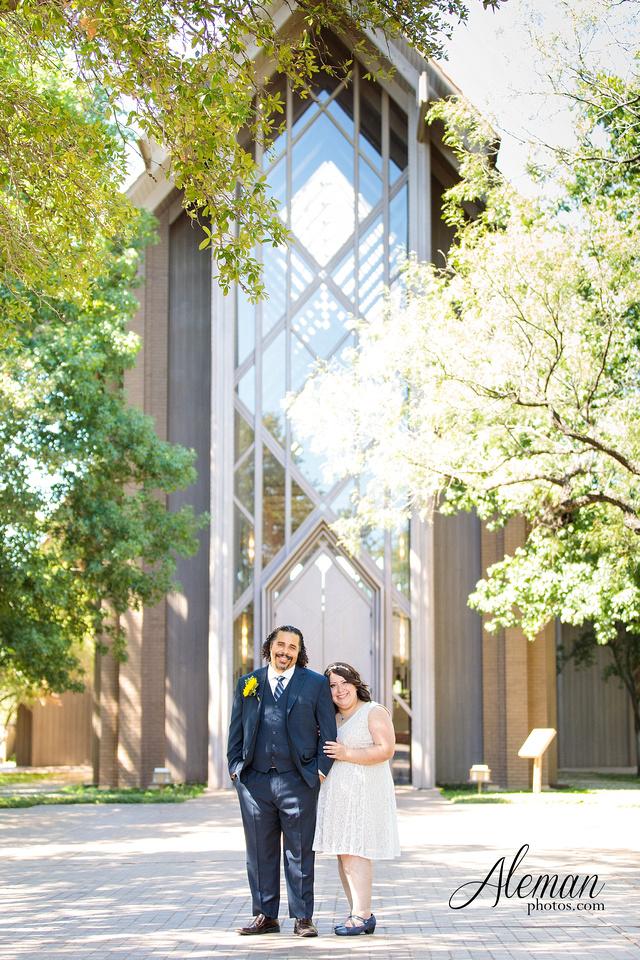 marty-leonard-chapel-wedding-elopement-fort-worth-dallas-photographer-aleman-photos-noe 019