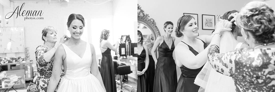 brik-wedding-fort-ft-worth-industrial-modern-brick-aleman-photos-amy-garret 13