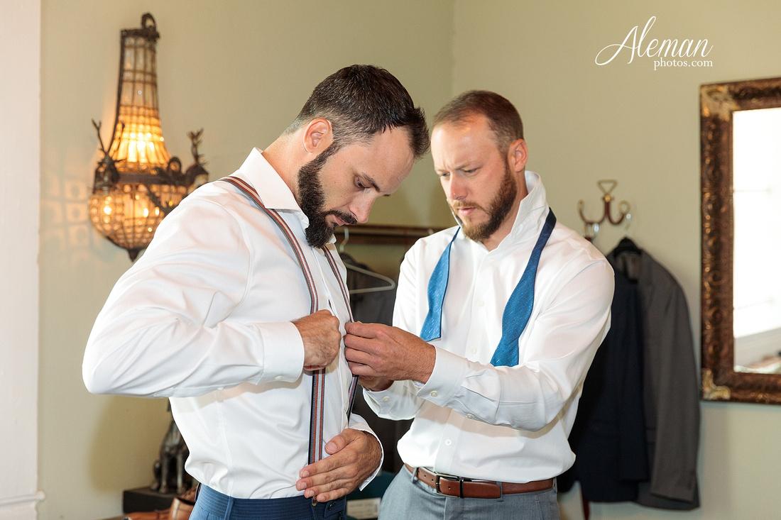brik-wedding-fort-ft-worth-industrial-modern-brick-aleman-photos-amy-garret 17