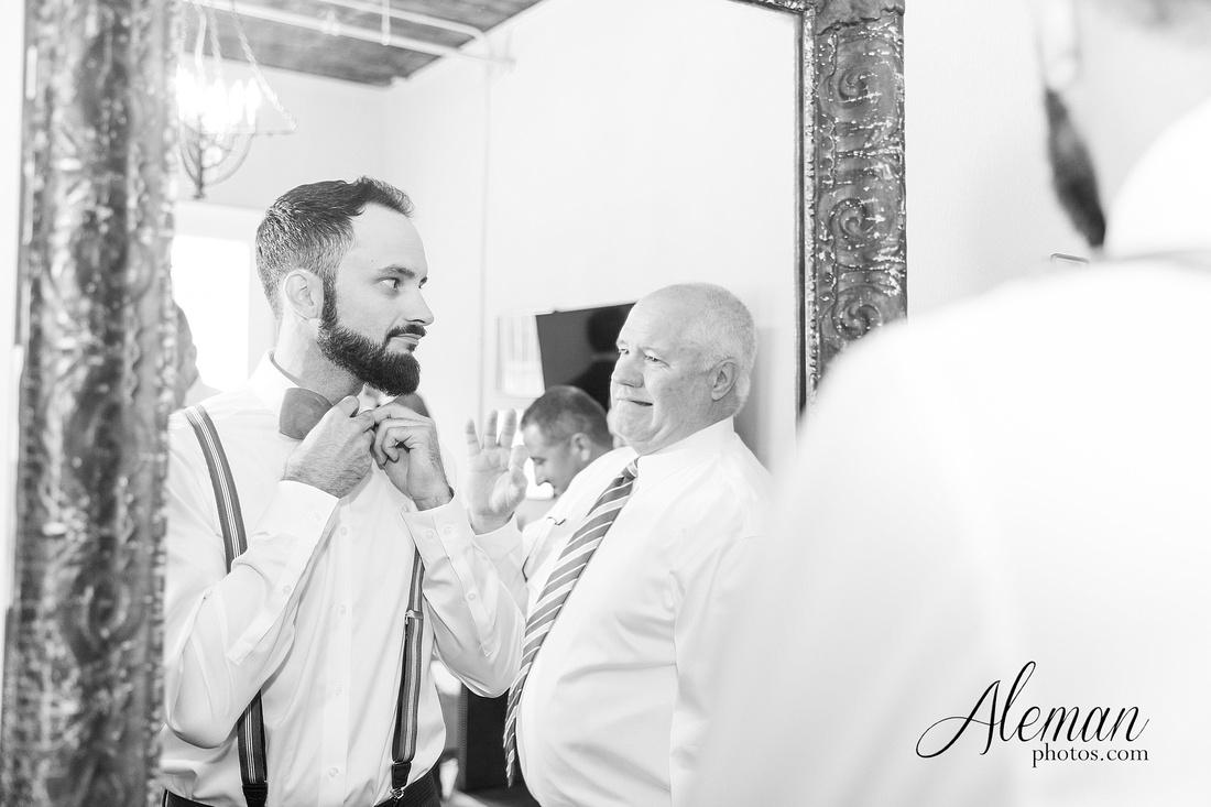 brik-wedding-fort-ft-worth-industrial-modern-brick-aleman-photos-amy-garret 19