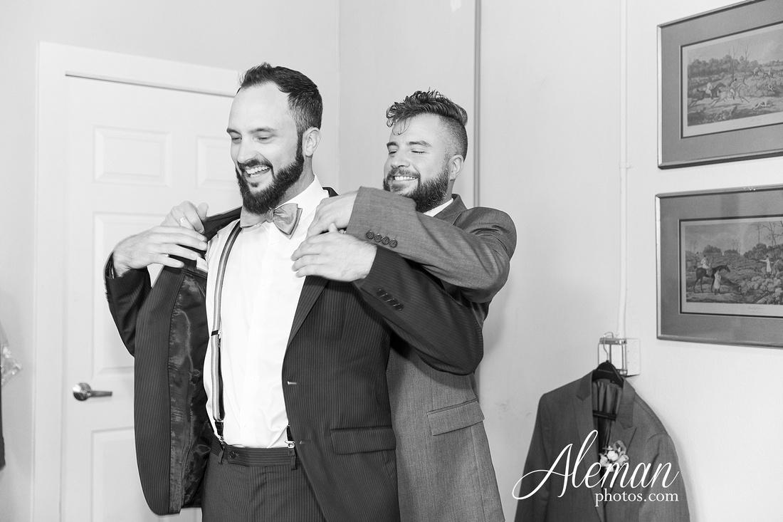 brik-wedding-fort-ft-worth-industrial-modern-brick-aleman-photos-amy-garret 20