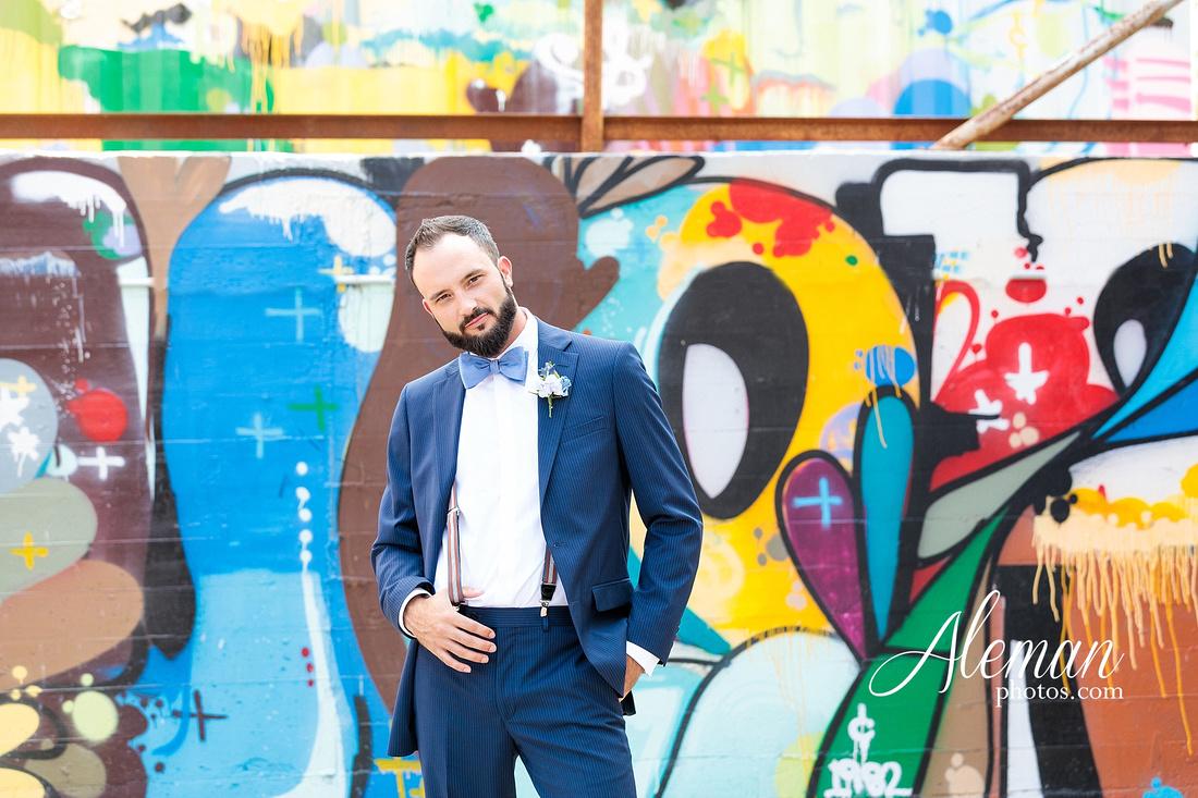 brik-wedding-fort-ft-worth-industrial-modern-brick-aleman-photos-amy-garret 30
