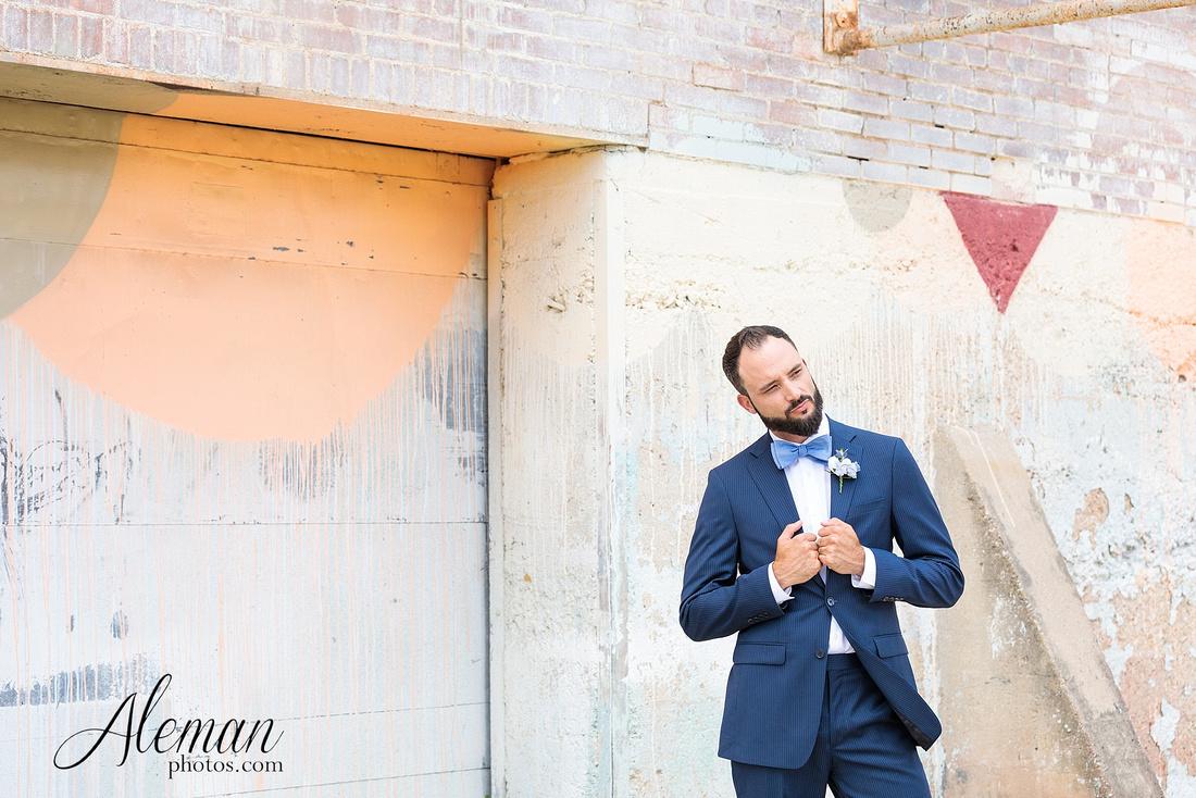 brik-wedding-fort-ft-worth-industrial-modern-brick-aleman-photos-amy-garret 31