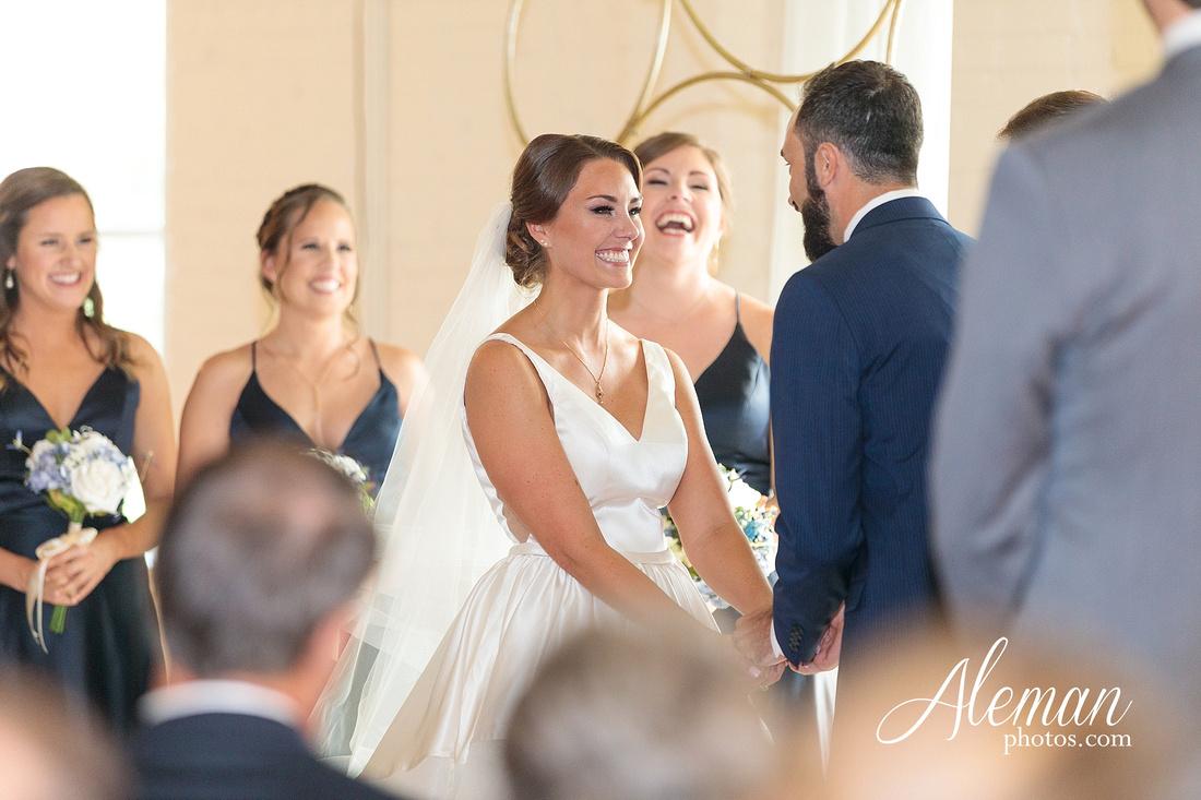 brik-wedding-fort-ft-worth-industrial-modern-brick-aleman-photos-amy-garret 41