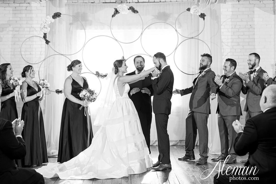brik-wedding-fort-ft-worth-industrial-modern-brick-aleman-photos-amy-garret 42