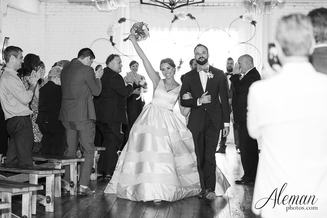 brik-wedding-fort-ft-worth-industrial-modern-brick-aleman-photos-amy-garret 44