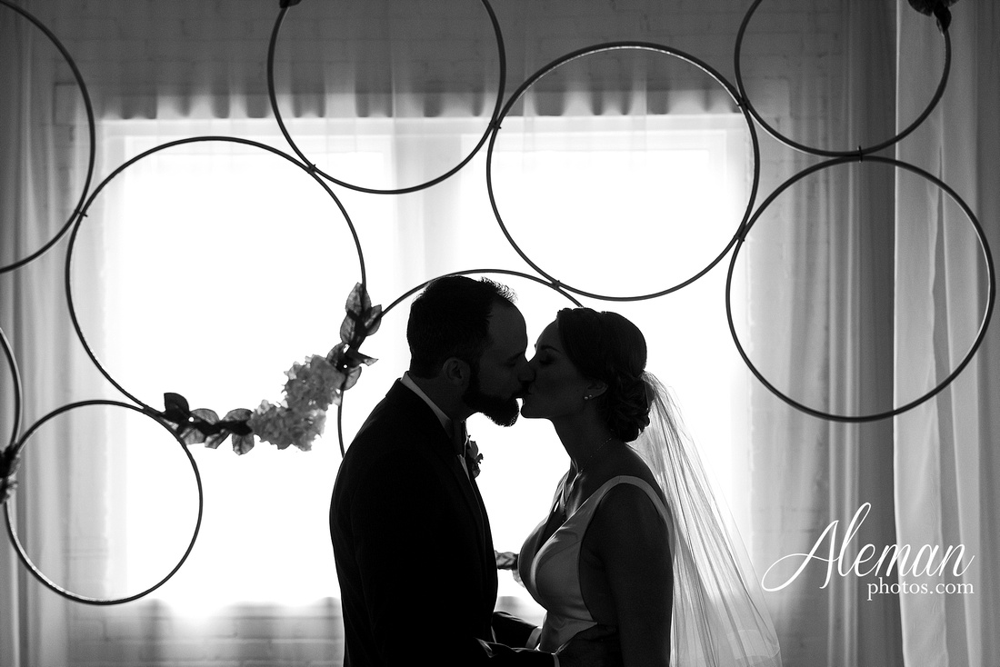 brik-wedding-fort-ft-worth-industrial-modern-brick-aleman-photos-amy-garret 45