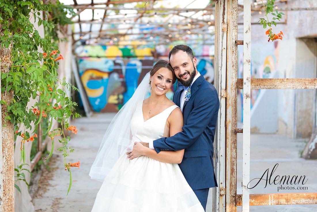 brik-wedding-fort-ft-worth-industrial-modern-brick-aleman-photos-amy-garret 50