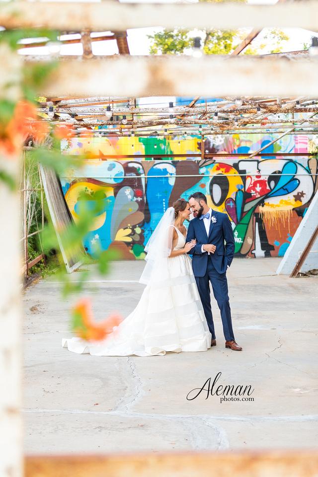 brik-wedding-fort-ft-worth-industrial-modern-brick-aleman-photos-amy-garret 52