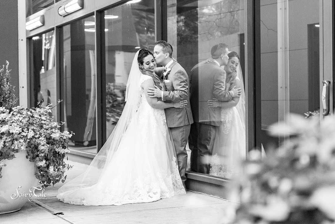 adolphus-wedding-dallas-downtown-belo-gardens-taylor-michael 026