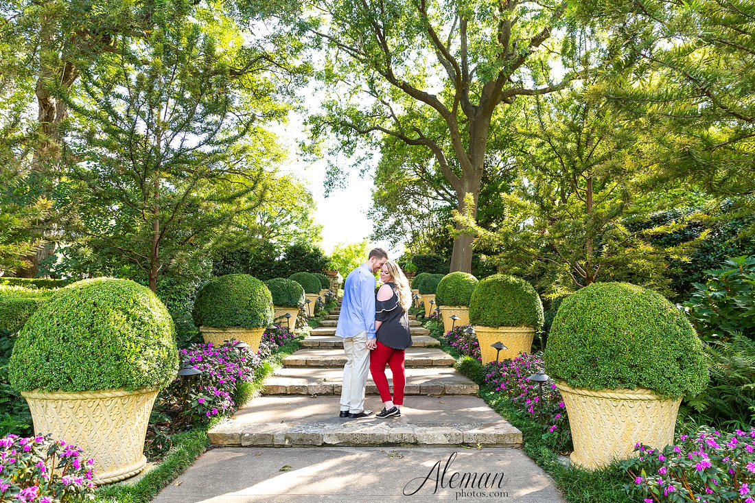 dallas-arboretum-engagement-dogs-pet-white-rock-lake-aleman-photos -011