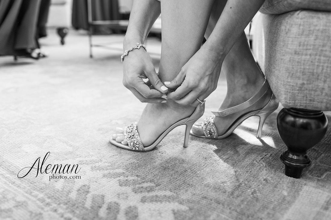 milestone-mansion-wedding-aubrey-refined-romance-aleman-photos-gianela-taylor-017