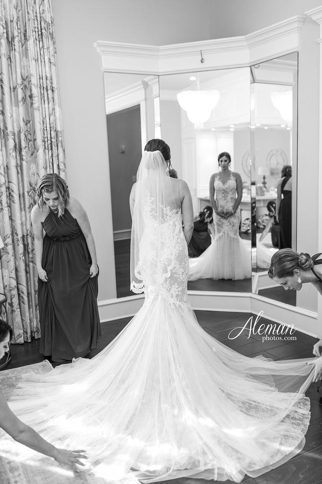 milestone-mansion-wedding-aubrey-refined-romance-aleman-photos-gianela-taylor-019