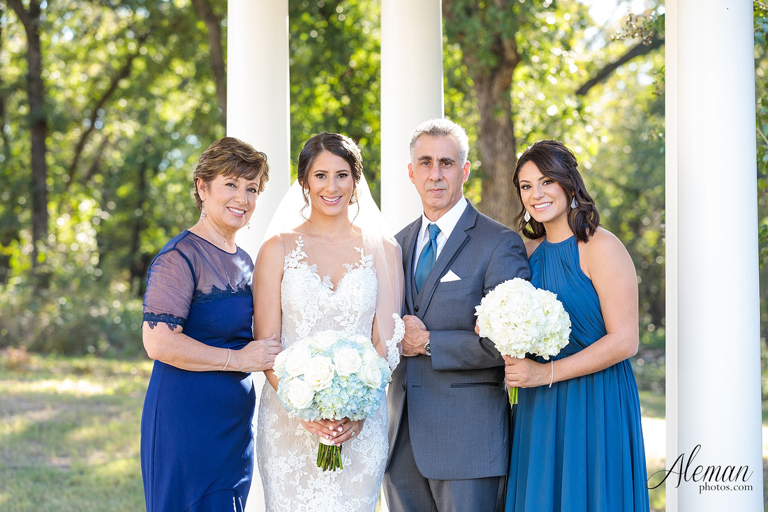 milestone-mansion-wedding-aubrey-refined-romance-aleman-photos-gianela-taylor-022
