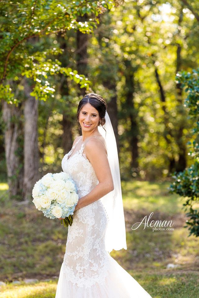milestone-mansion-wedding-aubrey-refined-romance-aleman-photos-gianela-taylor-027