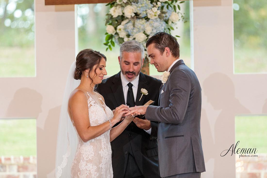 milestone-mansion-wedding-aubrey-refined-romance-aleman-photos-gianela-taylor-046