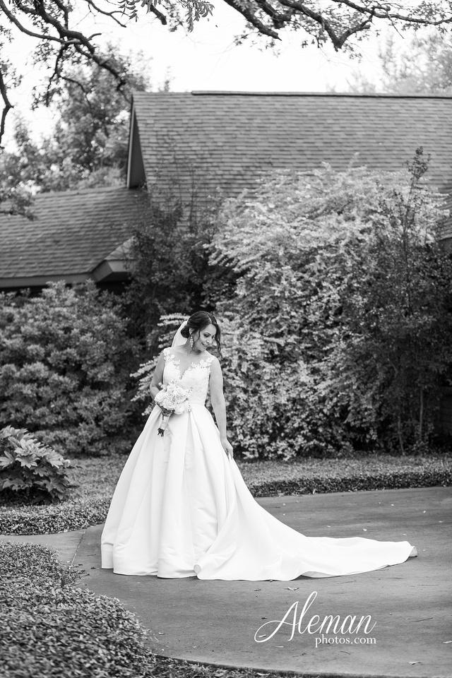harmony-chapel-aubrey-denton-wedding-aleman-photos-jacob-lupita-014