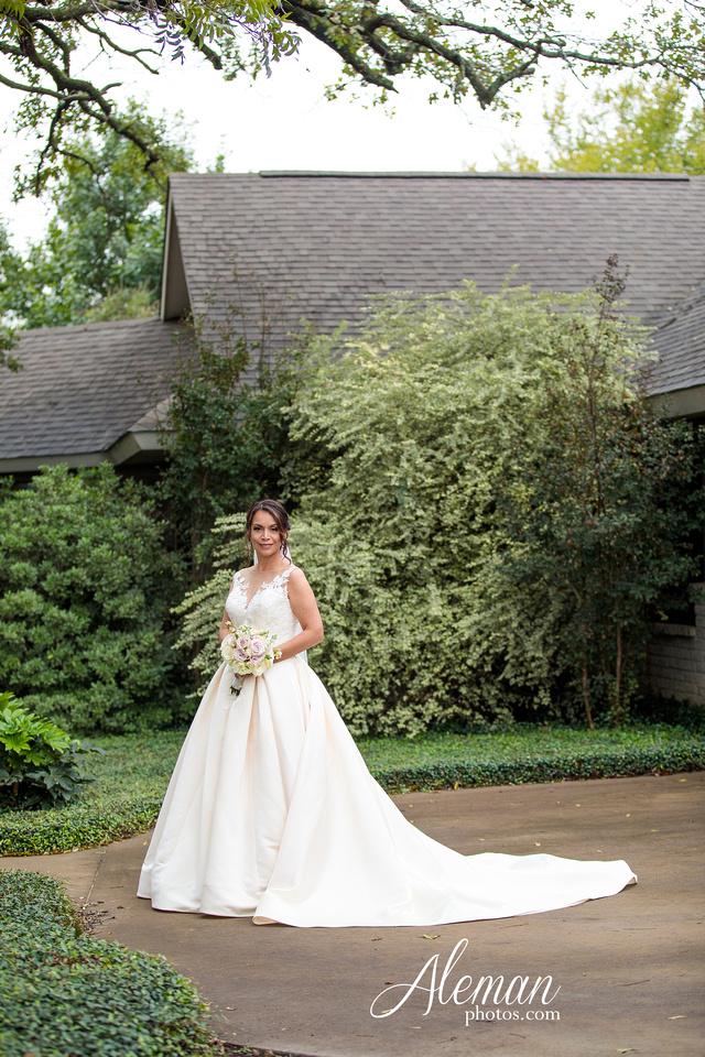 harmony-chapel-aubrey-denton-wedding-aleman-photos-jacob-lupita-018