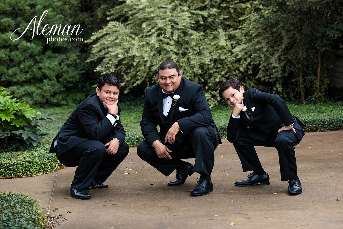 harmony-chapel-aubrey-denton-wedding-aleman-photos-jacob-lupita-022