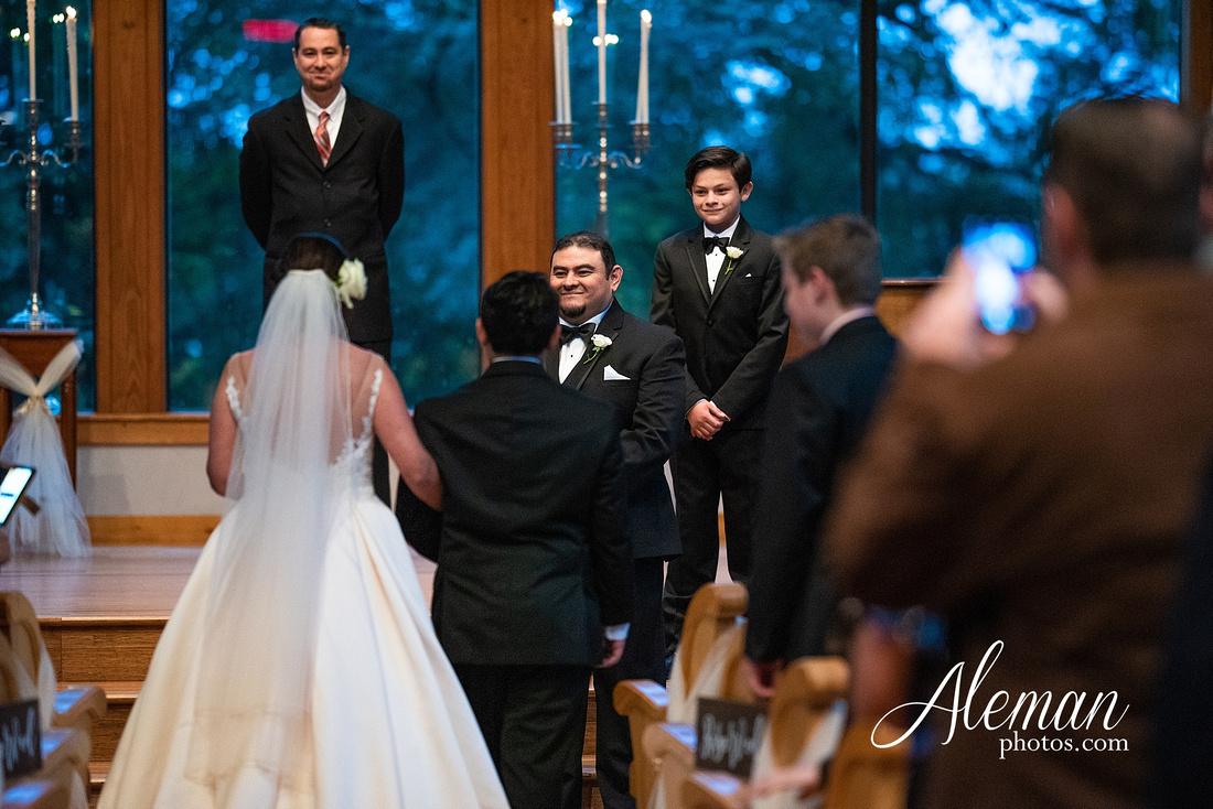 harmony-chapel-aubrey-denton-wedding-aleman-photos-jacob-lupita-025
