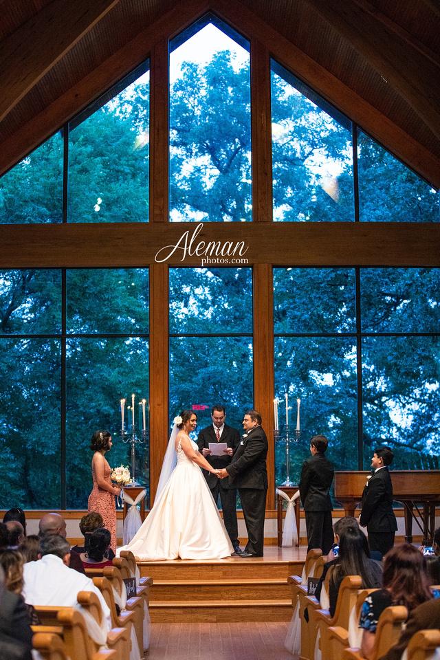 harmony-chapel-aubrey-denton-wedding-aleman-photos-jacob-lupita-026