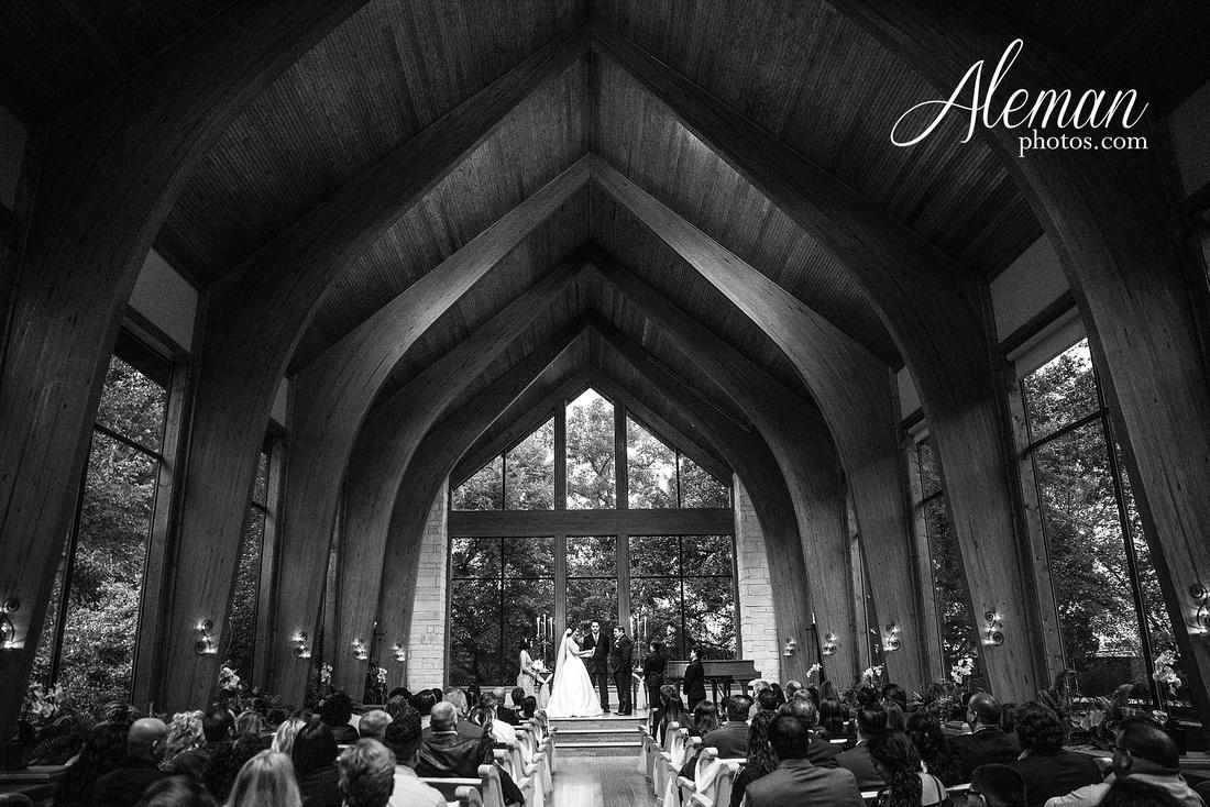 harmony-chapel-aubrey-denton-wedding-aleman-photos-jacob-lupita-027