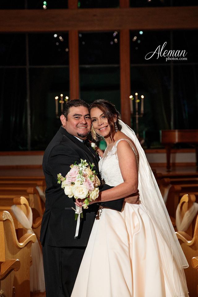 harmony-chapel-aubrey-denton-wedding-aleman-photos-jacob-lupita-036