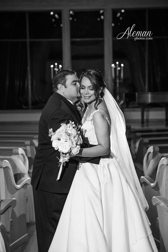 harmony-chapel-aubrey-denton-wedding-aleman-photos-jacob-lupita-038