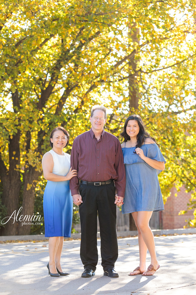 dallas-family-photographer-colleyville-piazza-ft-worth-dfw-aleman-photos-3-poses-fall-autumn-shan-002
