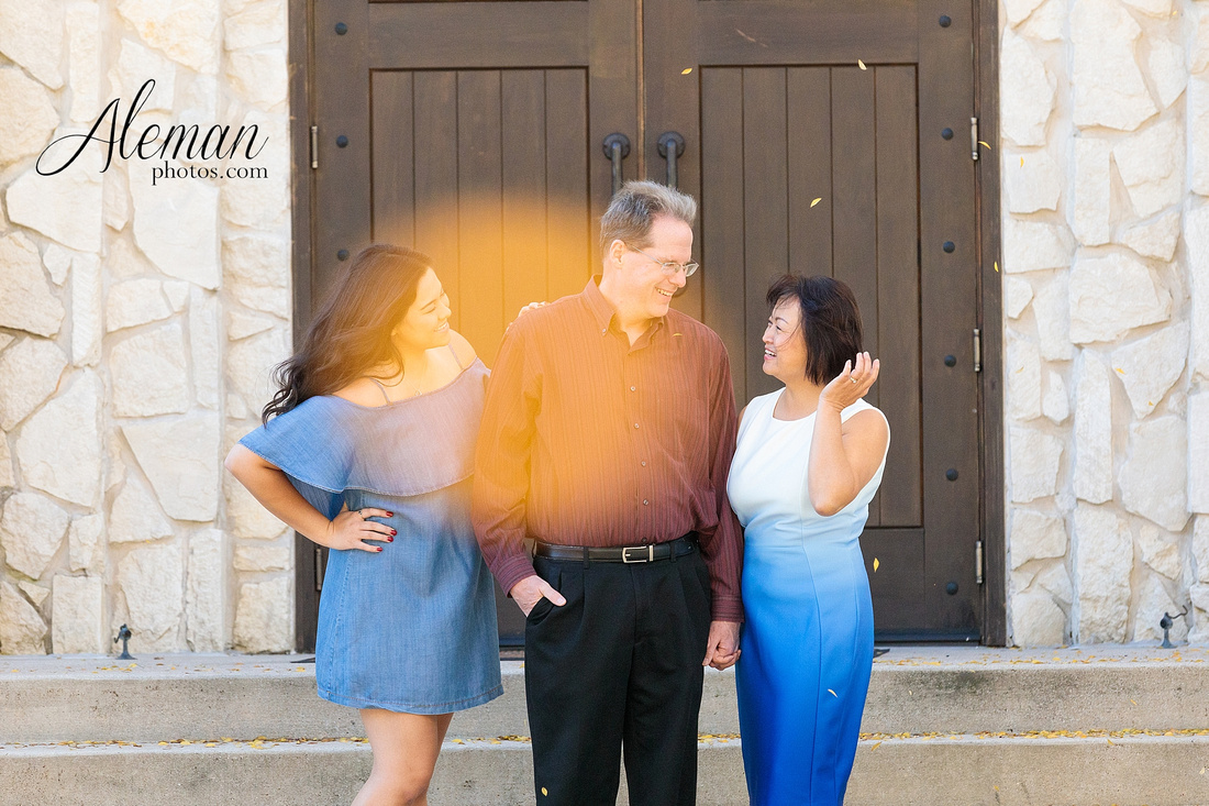 dallas-family-photographer-colleyville-piazza-ft-worth-dfw-aleman-photos-3-poses-fall-autumn-shan-013