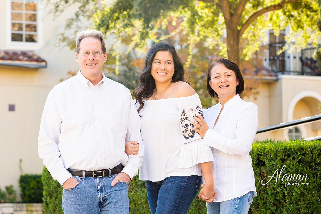 dallas-family-photographer-colleyville-piazza-ft-worth-dfw-aleman-photos-3-poses-fall-autumn-shan-015