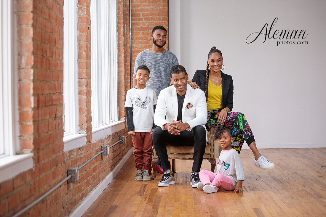 Dallas-family-photographer-studio-reed-brick-lumen-modern-candids-aleman-photos-cameron-001