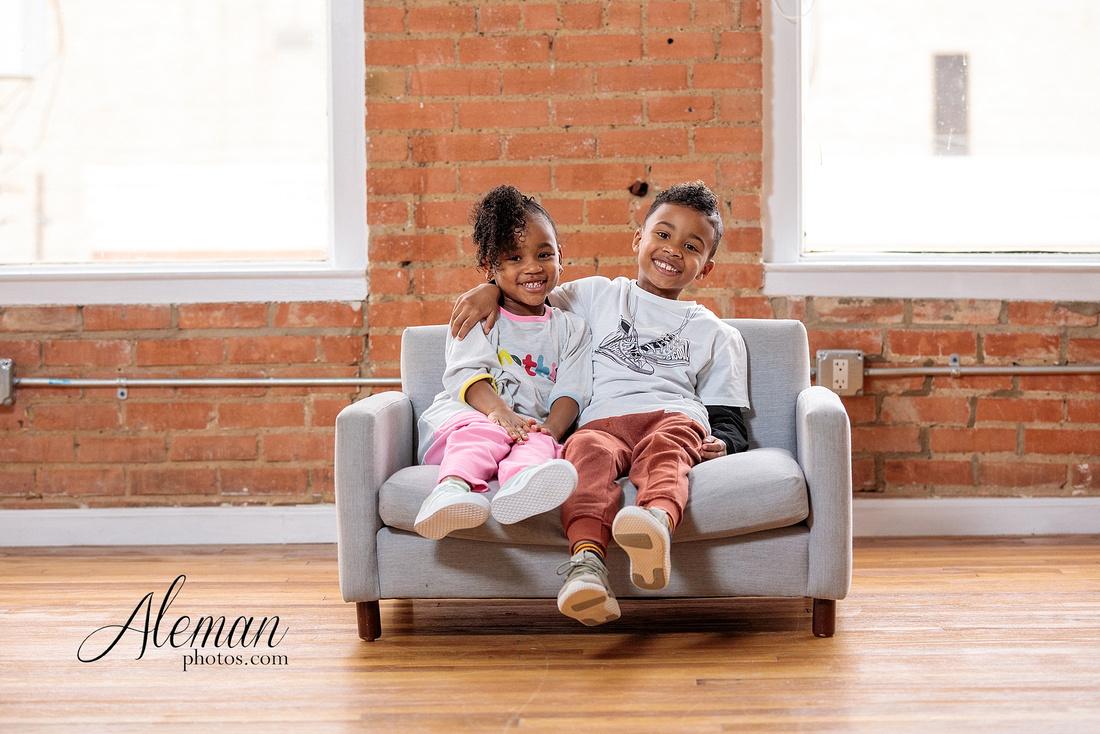 Dallas-family-photographer-studio-reed-brick-lumen-modern-candids-aleman-photos-cameron-001
