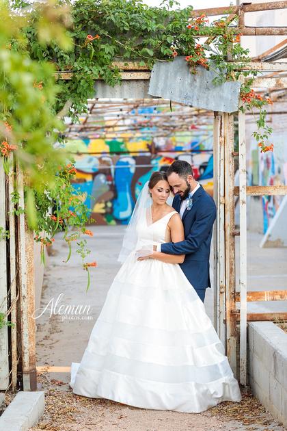brik-wedding-fort-ft-worth-industrial-modern-brick-aleman-photos-amy-garret 51